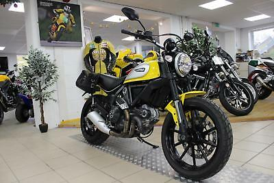 2016 Ducati Scrambler Icon. One owner. Only 5011 Miles. Eye Catching.