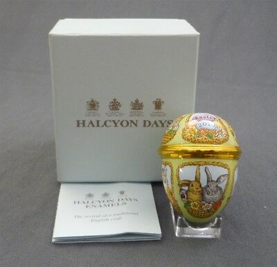 HALCYON DAYS ENAMELS England 2010 Easter Egg Hinged Trinket Pill Box c/w Stand