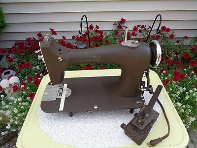 Rare Vintage Badger Rotary Electric Sewing Machine For Parts Repair Display