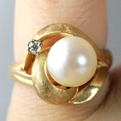 Vintage 9Mm Cultured White Pearl & Diamond 14K Yellow Gold Ring Size 6.25