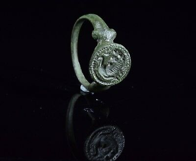 Ancient Celtic Bronze Ring With Beast On The Bezel - T86