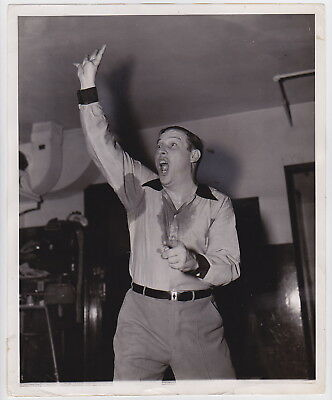BASKETBALL REFEREE by Broderick/Platnick * New York from PM * VINTAGE 1942 photo