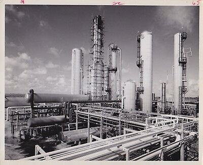 BERT BRANDT: Oil Processing Plant * VINTAGE 1966 RARE Classic ICONIC press photo
