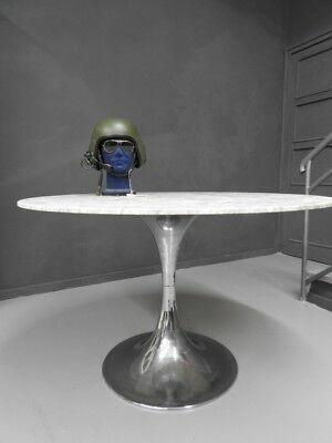 Wonderful Table Saarinen Tulip Design Base Chrome Steel Level Marble