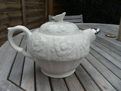 ATTRACTIVE VINTAGE GEORGE CLEWS FLORAL RELIEF TEAPOT WITH METAL SPOUT C.1940/50s