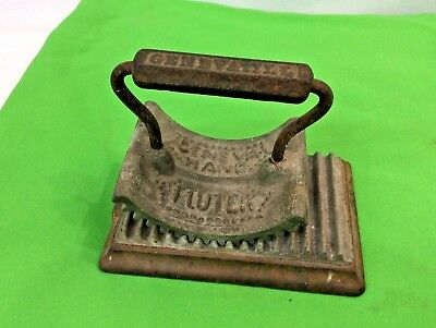 Antique Vintage Cast Iron Geneva Fluter Clothing Crimper Fluting with Base