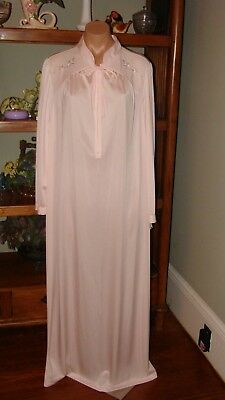 24c17fecaa3 Ladies Women s Vintage Shadowline Long Cuddlemere Nightgown - Bust to 44