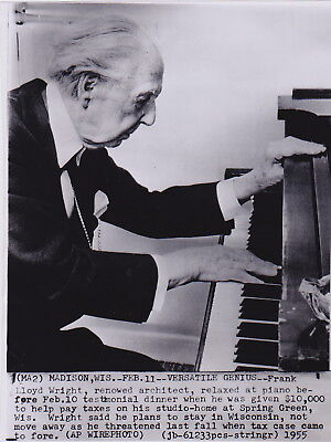 FRANK LLOYD WRIGHT Playing Piano VERSATILE GENIUS * VINTAGE 1955 ARCHITECT photo