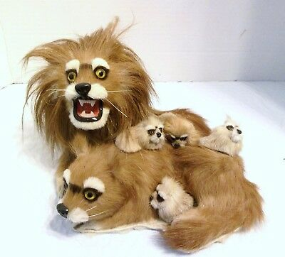 Realistic Synthetic Fur Lion & Lioness With 4 Cubs, Protecting Family