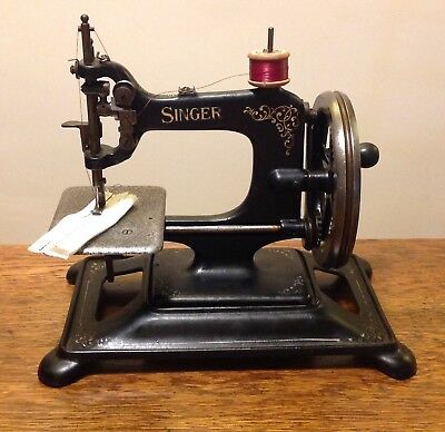 Singer 30K Chain Stitch Sewing Machine Antique / Vintage