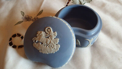 Boite  En Porcelaine Biscuit  Anglaise - Wedgwood