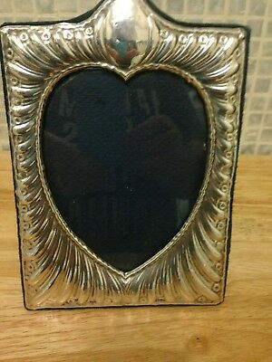 Solid Silver Photo Frame Heart Center 5 x 7.5 inches London 1985