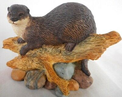 Small  Border Fine Arts Otter Figure By Ayres ~ Lovely display item !