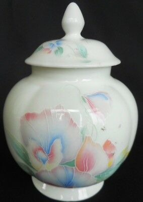 """Lovely Vintage Aynsley """"Little Sweetheart  Temple jar ~ A Lovely display item !"""