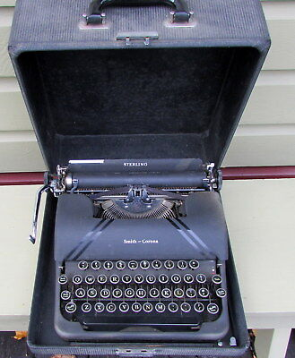 Antique 1945 Smith Corona Sterling Portable Typewriter With Case & Green Keys
