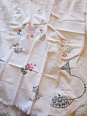 Lot of 4 vintage Embroidered/Crochet table runners - linens - Napkins - Flowers