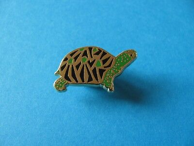 Turtle / Tortoise pin badge. VGC. Arthus Bertrand.