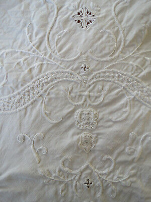 """Vtg Table Cover Centerpiece Raised Embroidered Needlelace Lace 50""""square"""
