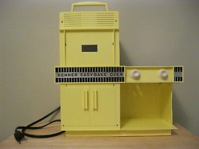 Excellent Working Vintage 1960s Kenner Easy Bake Oven Yellow Lights Work