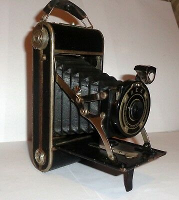 VINTAGE REX CORONET 6 x 9 FOLDING BELLOWS CAMERA IN LEATHER CASE: