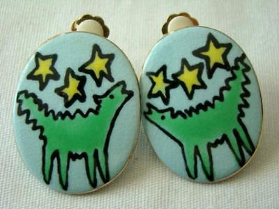 Vintage 1988 Stylized HOWLING COYOTE Hand Painted Ceramic CLIP EARRINGS