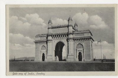 India, Gate Way of India Bombay Postcard, B224