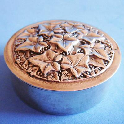 Amazing Vintage Sterling SILVER Nature Plant Ivy Round Gilded Snuff Pill Box!