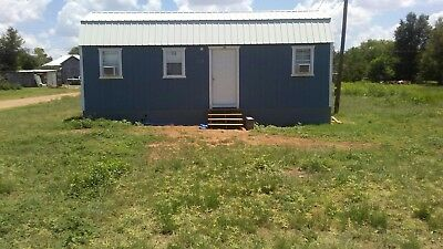 Tiny house: with land, no need to move house, comes on 0.227 acres in Spur, TX