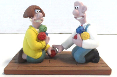 Wallace & Gromit A Close Shave Wallace Meets Wendolene w/Yarn Resin Statue