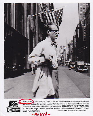 ANDY WARHOL * NEWLY ARRIVED IN New York * ICONIC 1949 BOYISH-LOOKING press photo