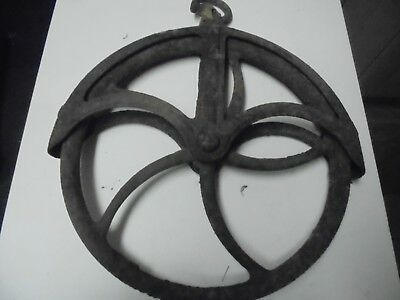 Antique Primitive Style Cast Iron Well Pulley Barn Farm House Decor Rusty 11""