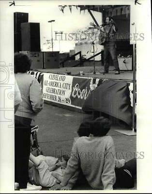 1984 Press Photo Alex Bevan performat the Cleveland All American City Festival