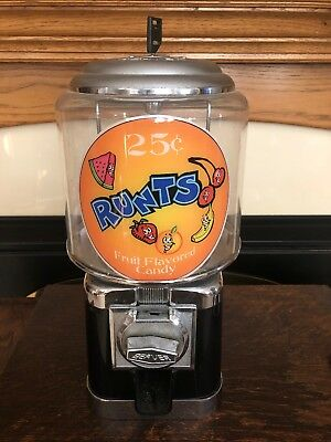 Beaver Black and Chrome Gumball Candy Nut Bulk Vending Machine With Lock and Key