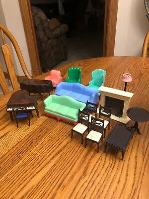 Lot Of 16 Vintage Plastic 1960's Doll House Furniture
