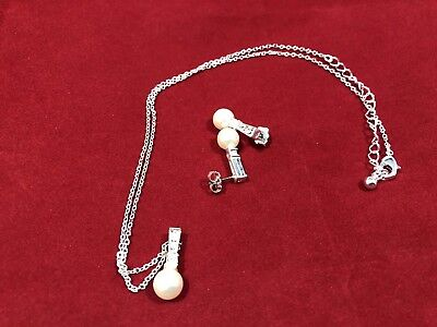 Pearl Earings And Necklace In Silver With Small Stones