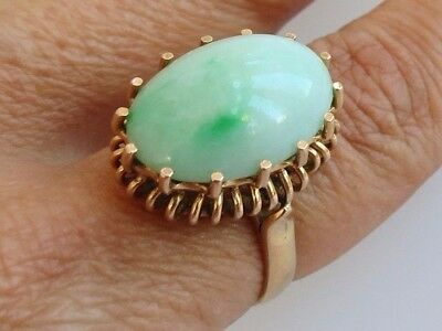 Fine vintage 1960s retro 7.7 g 14k Gold apple white green jade ring size 7.25