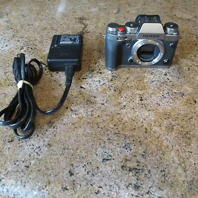 Fujifilm X-T2  Graphite Silver with Charger and Two Batteries