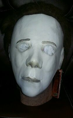 Halloween 2 Michael Myers Mask Deluxe Trick or Treat Studios NWT!