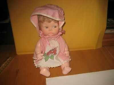 """Adorable Vintage EEGEE Hard 9"""" Plastic Doll Jointed Drinks Wets FREE USA SHIP"""