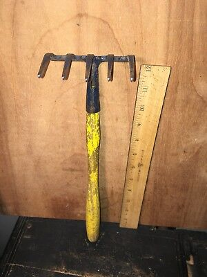 Vtg Antique Hand Cultivator Garden Tool Claw Wood Handle Primitive