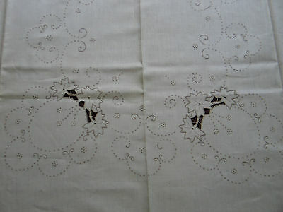 Elegant Antique VTG Madeira Linen Hand Embroidery Cutwork Lace TableCloth~60x96