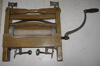 Old Vintage Antique Wooden Primitive Clothes Wringer Washer Roller Farm Decor
