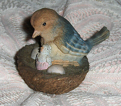 Vtg Mother Bluebird With Hatched Baby And Eggs Figurine Perched In Bird Nest
