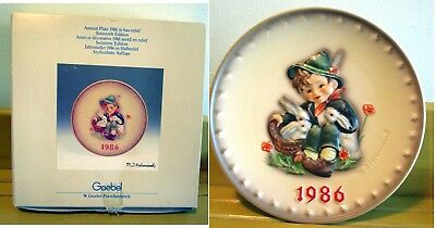 VINTAGE GOEBEL HUMMEL PLATE PORCELAIN ~ 1986 16th Annual Plate w/Box Excellent