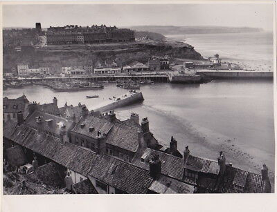 WEST CLIFF Whitby ENGLAND by G. DOUGLAS BOLTON * VINTAGE c.1950s STAMPED photo