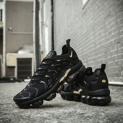 hot sale online d0e9d b3704 NIKE AIR VAPORMAX Plus Men's Sneakers Running Trainers (Black)