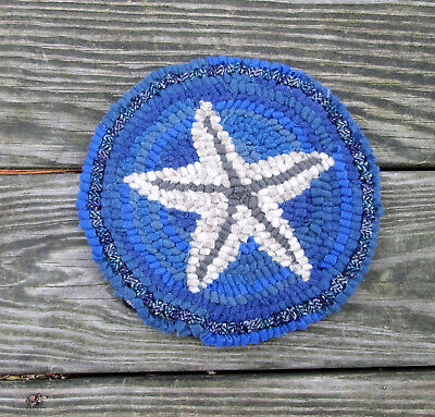 ROUND STAR FISH  Primitive Rug Hooking KIT WITH #8 CUT WOOL STRIPS