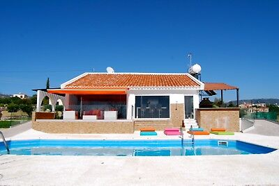 Luxury 2 bedrooms villa with swimming pool and free hybrid or electric car