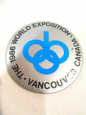 1986 World Exposition Vancouver Canada Pin/Badge