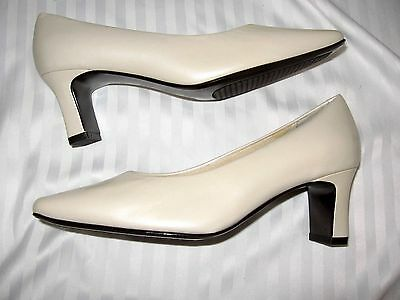 3df768fa9c9 Womens 5W Nordstrom Elegant Pearl White Leather Classic Heels Pumps  Excellent